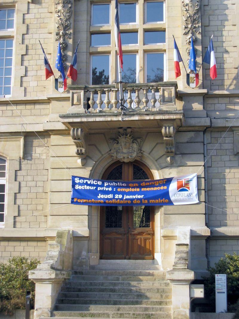 IMG_4230.JPG² banderolle mairie